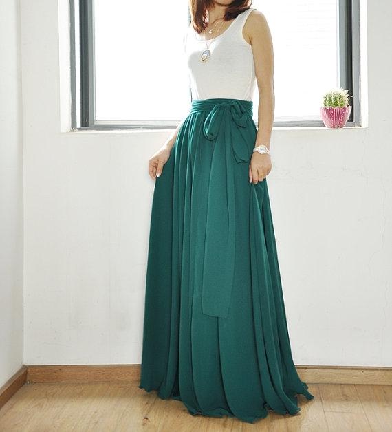 jupe longue verte comment la porter un mariage. Black Bedroom Furniture Sets. Home Design Ideas