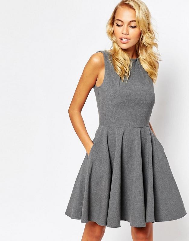 Que mettre avec une robe longue grise