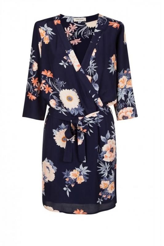 Robe kimono comment la porter un mariage tendances for A porter des robes pour les mariages