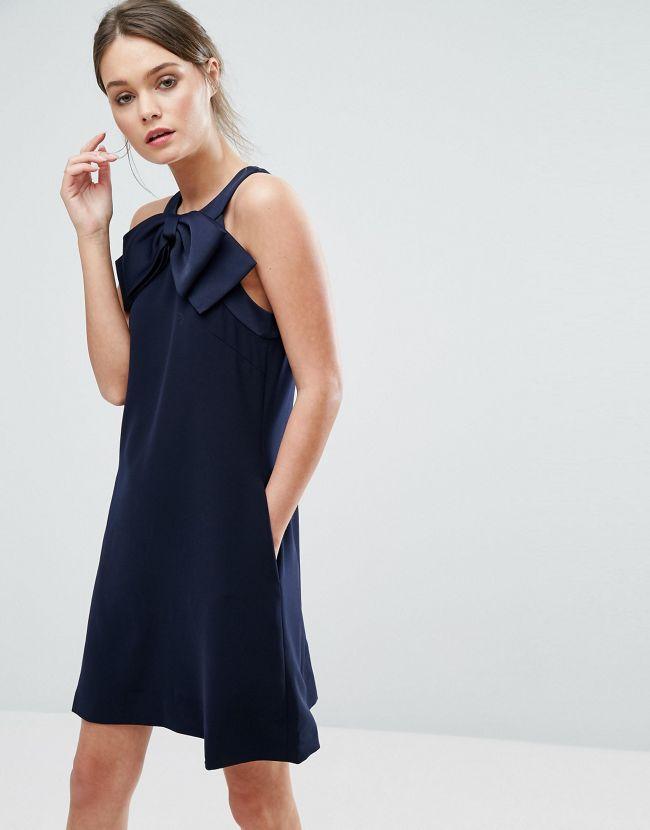 quelles chaussures porter avec une robe bleue un mariage tendances de mode. Black Bedroom Furniture Sets. Home Design Ideas