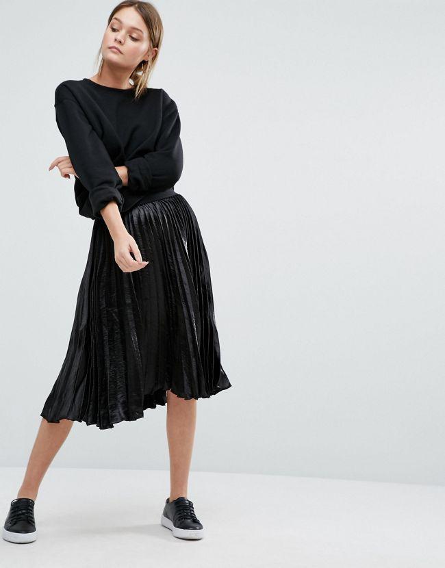 Jupe Midi Plissée : Comment la Porter ? Tendances de Mode