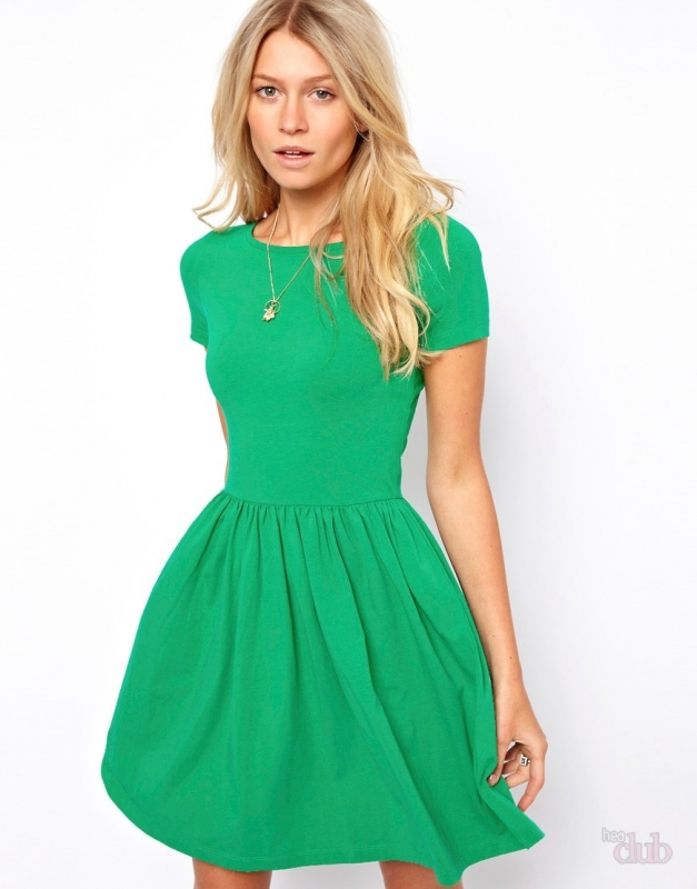 quelles chaussures porter avec une robe verte tendances de mode. Black Bedroom Furniture Sets. Home Design Ideas