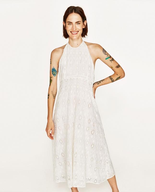 Comment porter la robe sans manches quand on est ronde - Quelle robe porter quand on est petite ...