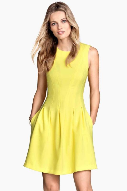 Robe jaune quelle veste lui associer pour un mariage for Robe jaune pour mariage