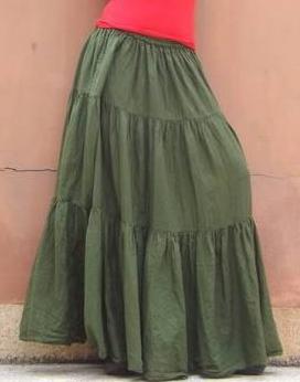 Jupe longue comment la porter quand on est petite - Quel haut porter avec une jupe longue ...