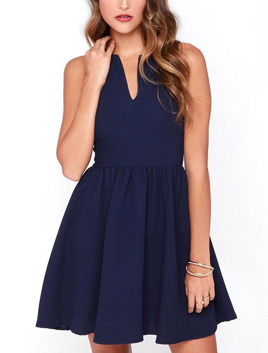 Quelle pochette porter avec une robe sans manches tendances de mode - Comment porter une pochette ...