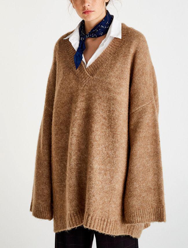 Pull large col v comment le porter tendances de mode - Comment porter un pull oversize ...