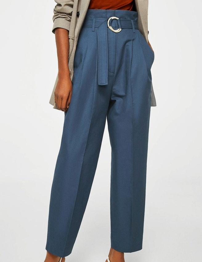 pantalon bleu marine pinces avec quoi l 39 associer tendances de mode. Black Bedroom Furniture Sets. Home Design Ideas