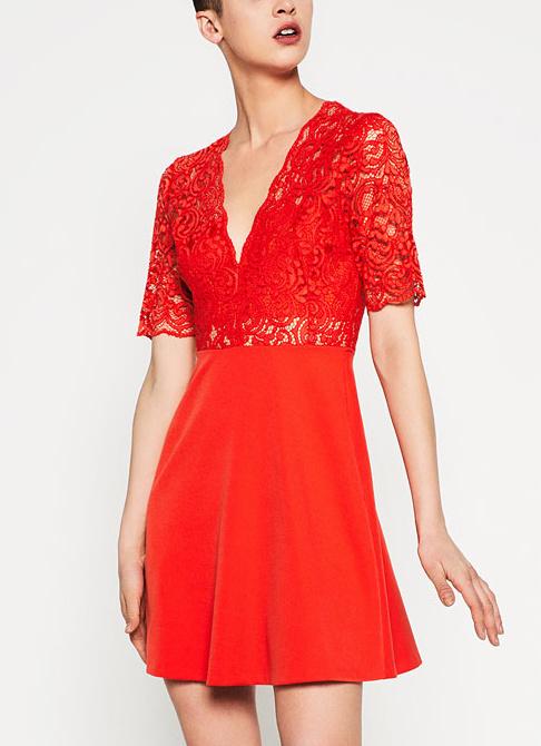 Quelle chaussure avec robe rouge