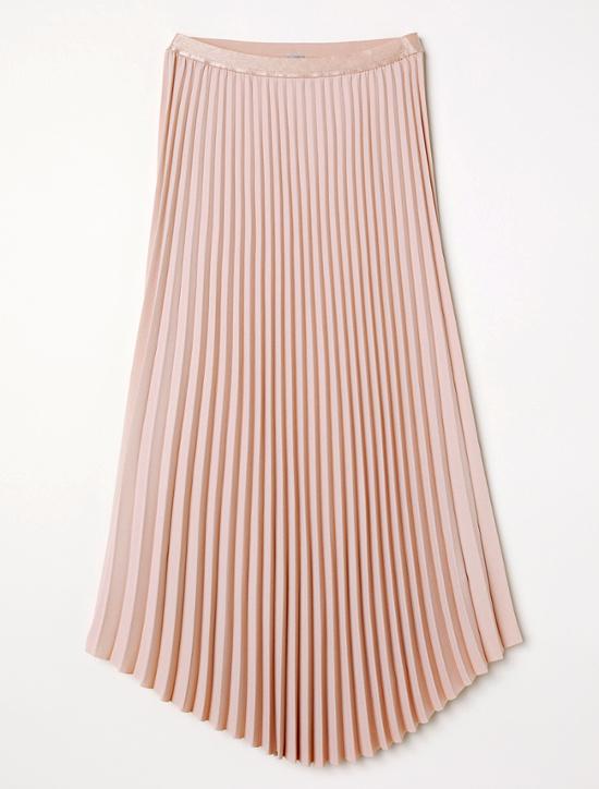 jupe pliss e rose poudr avec quoi la porter tendances de mode. Black Bedroom Furniture Sets. Home Design Ideas